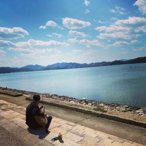 デグルチーニ×ムジカ企画『ギターリペアの神、湯島さんに学ぼう』〜リペア教室×神の手により生まれ変わった楽器で演奏